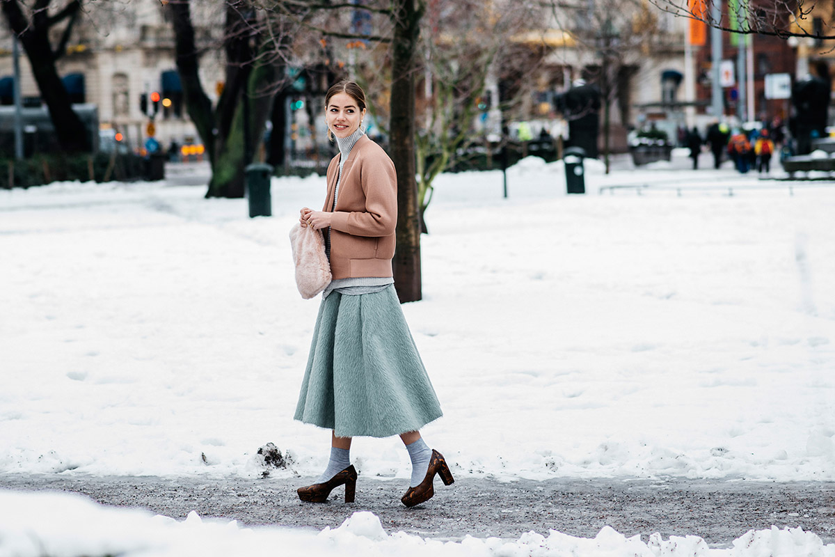 street-style-winter-pastels-fashion-month-4